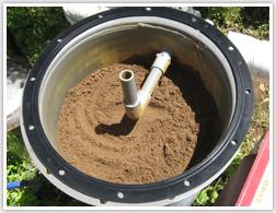 除鉄器に新しい砂が入りました。